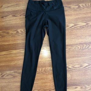 Black nike ankle length leggings